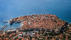 Dubrovnik, Croatia (pas le matin) Tags: croatia croatie hrvatska travel voyage world cityscape ville city dubrovnik sea mer méditerranée mediterranean mermediterranée mediterraneansea europe europa walls mure murs fortification citywalls canon 7d canon7d canoneos7d eos7d