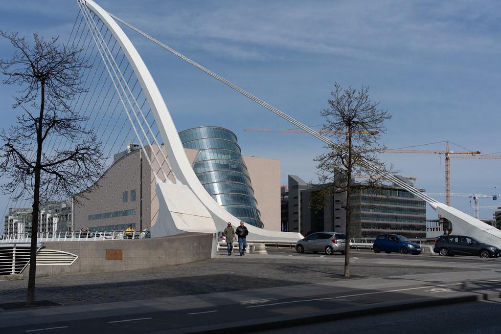 A WALK ALONG SIR JOHN ROGERSON'S QUAY [DUBLIN DOCKLANDS]-151593