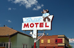 Lariat Motel (Patinagal) Tags: sign signage relic remnant motel vintage typography advertisement