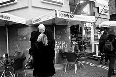 (I Am The Eggman) (Robbie McIntosh) Tags: leicam9p leica m9p rangefinder streetphotography 35mm leicam autaut candid strangers leicaelmarit28mmf28iii elmarit28mmf28iii elmarit 28mm blackandwhite napoli naples lovers kiss