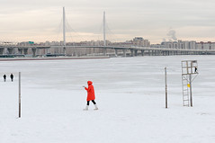 _KAS0494 (sekachok) Tags: winter stpetersburg ice snow moreau silhouettes people ladyinred bridge cold walk