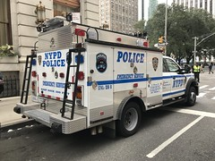 NYPD Emergency Service Squad 8 Ford F-550 REP (NY's Finest Photography) Tags: highway patrol state nypd fdny ems police law enforcement ford dodge swat esu srg crc ctb rescue truck nyc new york mack tbta chevy impala ppv tahoe mounted unit service squad dcu windshield road