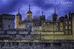 Tower of London (Fotomanufaktur.lb) Tags: london tower castle schölkopf schoelkopf canon bluehour night spring frühling schloss burg themse fluss england greatbritain