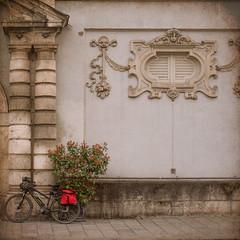 2019 Bike 180: Day 50, April 3 (suzanne~) Tags: 2019bike180 bike bicycle künstlerhaus wall munich bavaria germany