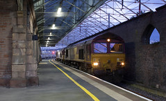 66 187 & 66 088 at Penrith (image no.5 on my never ending day). (Marra Man) Tags: penrith penrithstation 4s38 66187 66088 dbcargo class66 class660