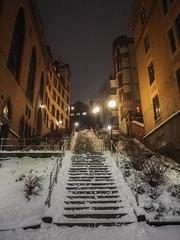 Winter Evening (Rudi Pauwels) Tags: 2019onephotoeachday linnegatan linnestaden goteborg gothenburg evening stairs trappa lichts winter huaweimobile