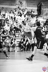IMG_3694 (muztiko) Tags: 2019 canon6d ffhb france lemans msh72 paysdelaloire sarthe bw blackwhite canon70200f28l handball nb noiretblanc salledesport sport