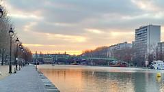 34 Paris décembre 2018 - Bassin de La Villette, Quai de Loire (paspog) Tags: paris france bassindelavillette déecmbre 2018 december lavillette canal