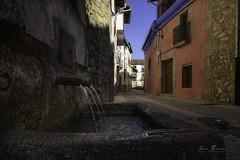Cuacos de Yuste. (H.M.MURDOCK) Tags: hervás judería pueblos urbanas casas agua fuente nikon d610
