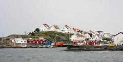 IMG_2315-1 (Andre56154) Tags: schweden sweden sverige wasser water küste coast meer ozean ocean haus house gebäude building hafen port boat