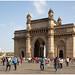 De Gateway of India is een monument bij de haven van Bombay in India ...