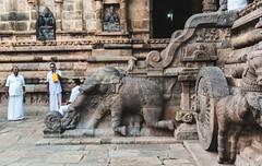 Chit-chat time... (The Hitchhiker's Guide) Tags: tanjore thanjavur brihadeeshwaratemple brihadeeswarartemple templesofindia unescoworldheritagesite brihadishvara brihadishvaratemple dravidianarchitecture tamilnadu tamilnadutourism unescoworldheritage tamilculture thanjavurbigtemple bharatanatyam incredibleindia indianarchitecture gangaikondacholapuram indianclassicaldance silksaree dancer yoga meditation shiva shivatemple bharatnatyam discovertamilnadu darasuram airavatesvaratemple kumbakonam airavatesvara