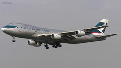 Cathay Pacific Cargo (CX/CPA) / 747-267B(SF) / B-HIH / 12-24-2006 / HKG (Mohit Purswani) Tags: cathaypacific cathaypacificcargo cx cpa bhih 747 742 742sf 742f 747200 747200f 747200sf b747 b742 hkg hkia clk vhhh swirepacific classicaircraft aircargo airfreight widebody civilaviation commercialaviation planespotting aviationphotography olympus c750 arrival hongkong