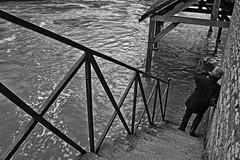 Lutineries photographiques à Sarthe haute... (Tonton Gilles) Tags: alençon normandie hdr noir et blanc rue de sarthe lavoir gué rivière crue rambarde le lutin decouves personnage escaliers scène