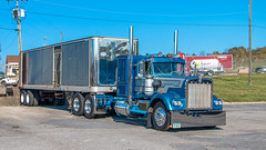 Kenworth W900A (NoVa Truck & Transport Photos) Tags: kenworth w900a kurtz enterprize ephrata pa classic truck big rig 18 wheeler 2017 large car mag southern ta lexington va