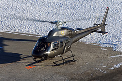 05.01.2019 (Helicos_Courchevel) Tags: courchevel savoie france altiportcourchevel snow montagne mountain verticalmag rotor helicopterlife alpes alps spotting helicopter helicoptere ecureuil squirel as355 azurhelicoptere azurhelicopteres takeoff eurocopter aerospatiale airbushelicopters