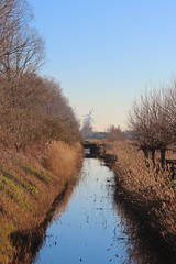 Canal and windmills (Brian Aslak) Tags: lissewege westvlaanderen vlaanderen flanders flandre belgië belgium belgique europe kanal windmills rural landscape