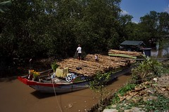 An Binh - arroyo 1 (luco*) Tags: vietnam delta du mékong mekong an binh bateau boar barge bois wood arroyo canal channel