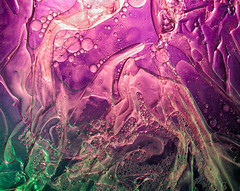Fluids 2019 (Guy Goetzinger) Tags: goetzinger nikon d850 fluids liquids colorfull water oil mixture abstract abstrait farben bubbles art purple 2018 fantasy creative
