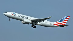 N283AY (AnDyMHoLdEn) Tags: americanairlines a330 oneworld egcc airport manchester manchesterairport 23r