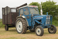 Moogely Vintage Club Silage Working Day June 2018 Ford 4000 Tractor with a Silage Trailer (Shane Casey CK25) Tags: moogely vintage club silage working day june 2018 ford 4000 tractor trailer cnh nh blue newholland clashmore county waterford workingday classic classictractor traktor traktori tracteur trekker trator ciągnik farm farmer farming agriculture agri farmmachinery machinery horse power horsepower hp pull pulling nikon d7200