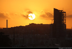 Sunset seen from Tigne Point, Sliema, Malta (JH_1982) Tags: gzira gżira silhouette silhouettes sky evening sun glow sunset ocaso sonnenuntergang coucherdesoleil pôrdosol tramonto 日落 日没 غروب light yellow licht abend dusk dämmerung sonne view cityscape skyline aussicht urban city tigne point sliema tassliema 斯利馬 슬리마 слима valletta ilbelt valetta valeta valette 瓦莱塔 バレッタ 발레타 валлетта فاليتا malta 马耳他 マルタ 몰타 мальта مالطا