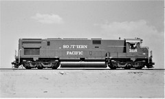 Southern Pacific C628 locomotive at Colton in 1976 (Tangled Bank) Tags: train railway railroad old classic heritage vintage 20th century north american equipment southern pacific c628 locomotive colton 1976