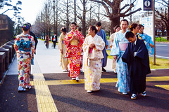 Kimono people at The Outer Garden Of the Imperial Palace : 皇居外苑にて (Dakiny) Tags: 2019 spring march japan tokyo city street sony a5100 gismon utulens