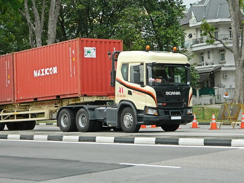 Flickriver: Singapore Trucks & Buses pool