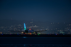 level flight lv 2622 holds for departure to barcelona (pbo31) Tags: bayarea california night dark black color december 2018 boury pbo31 nikon d810 city sanfranciscointernational sfo airport airline sanmateocounty aviation flight travel plane burlingame runway airbus level