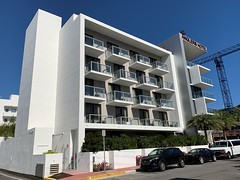 Anglers Hotel South Beach (Phillip Pessar) Tags: anglers hotel building architecture modern