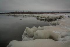 IMG_9094_edit (SPihtelev) Tags: ладога ленинградская область озеро зима лед льды вода маяк