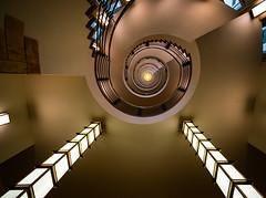 Staircase (Ni1050) Tags: ninicrew treppen stairporn stairs escaliers scala scalaachiocciola spiralstaircase escalierencolimaçon staircase architektur architecture licht light colors fenster window ni1050 sony a7r2 ilce7rm2 a7rii voigtländer 2019 hamburg voigtlanderheliarhyperwide10mmf56 ww weitwinkel angle ultraweitwinkel ultra