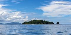 Nosy Tanikely / Остров Носи Таникели (dmilokt) Tags: природа nature пейзаж landscape море sea небо sky облако cloud остров island лодка boat dmilokt