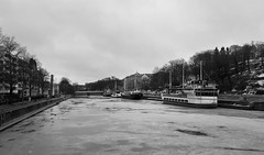 Aurajoki (Antti Tassberg) Tags: laiva jää talvi joki bw aura kaupunki turku suomi landscape alus blackandwhite city cityscape finland ice monochrome scandinavia ship urban vessel winter