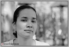 DETRÁS DE MI MIRADA. BEHIND MY LOOK. NEW YORK CITY. (ALBERTO CERVANTES PHOTOGRAPHY) Tags: ecuador guayaquil guayaquilecuador ecuadorguayaquil gye ecuadorgye gyeecuador republicadelecuador nyc usa newyork queens retrato portrait streetphotography photography photoborder photoart art creative look behind monochrome blackwhite blanconegro white black blanco negro indoor outdoor blur closeup macro bokeh eye face luz light lightcolor color colores colors brightcolors brillo bright señorita señora niña miss mrs girl babygirl dama chica littlegirl little autofoto autophoto selfportrait mujer women portraitlove love beautiful beauty prettygirl pretty lady guayas