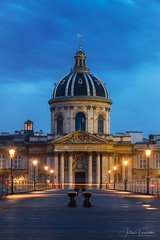 Institut de France & Pont des Arts, Paris (www.fromentinjulien.com) Tags: fromus75 fromus fromentinjulien fromentin flickr view exposure shot hdr dri manual blending digital raw photography photo art photoshop lightroom photomatix french francais light traitements effets effects world europe france paris parisien parisian capitale capital ville city town città cuida colocación monument history 2019 photographe photographer eos canon fullframe full frame ff urban travel architecture cityscape 6d bluehour heurebleue institutdefrance pontdesarts 70200 70200mm ef70200mm