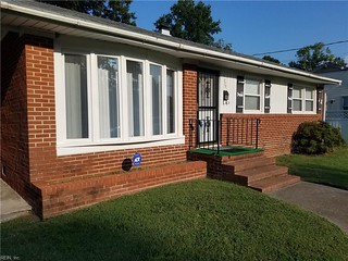 Real Estate Listing For Hampton, Va- Meet Mls# 10189523 Located At 220 N Lynnhaven Dr N! This Awesome 3 Bedroom, 1 Bath Home Is Priced At $121,153!