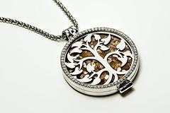 Happy little tree of life (Hans Lambregts) Tags: macromondays jewelry