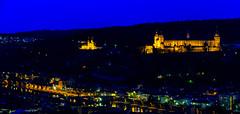 Würzburg bei Nacht (michael.muench2) Tags: würzburg wahrzeichen fluss stadtaufnahme stadtansicht stadt kirche main festung marienfestung licht lichtsterne blauestunde monument river cityscape city church fortress marienfortress light lightstar bluehour