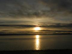 Sun going down, Chanonry Point, Black Isle, Dec 2018 (allanmaciver) Tags: chanonry point black isle highlands scotland sun set water reflections dark clouds allanmaciver