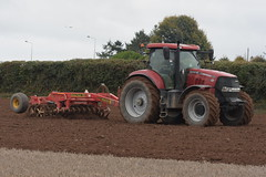 Case IH Puma 215 with a Vaderstad Rexius Twin 330 (Shane Casey CK25) Tags: case ih puma 215 vaderstad rexius twin 330 cultivator press furrow little island littleisland cnh red casenewholland international traktor traktori tracteur trekker trator ciągnik sow sowing set setting drill drilling tillage till tilling plant planting crop crops cereal cereals county cork ireland irish farm farmer farming agri agriculture contractor field ground soil dirt earth dust work working horse power horsepower hp pull pulling machine machinery grow growing nikon d7200