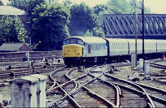 BR Derby Sulzer Type 4 No. 45059 'Royal Engineer' approaches York Station with a Liverpool Lime Street to Newcastle Central cross country service on Saurday 18th July 1981 © (steamdriver12) Tags: br derby sulzer type 4 no 45059 royal engineer approaches york station liverpool lime street newcastle central cross country service saturday 18th july 1981 boots colour slide british railways diesel electric locomotive standard mark 1 carriages