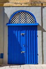 Blue door (andbog) Tags: sony alpha ilce a6000 sonya6000 emount mirrorless csc sonya oss sel 1650mm selp1650 sonyα sonyalpha sony⍺6000 sonyilce6000 sonyalpha6000 ⍺6000 ilce6000 architettura architecture door porta blu blue wall muro apsc α6000 edificio malta mdina talimdina mt medina building