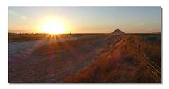 Bientôt couché -  Soon to be in bed (diaph76) Tags: extérieur france normandie manche50 soleil sun coucherdesoleil sunset paysage landscape montstmichel