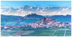 Le Langhe (Piemonte, north west of Italy) (Cristiano Busato) Tags: piemonte piedmont langhe vigneti tramonto sundown castle castelli borgo piemontese monviso