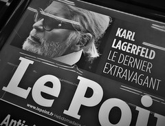 Le Dernier Extravagant (roomman) Tags: 2019 france paris orly airport kiosk ory terminal travel new news read karl lagerfeld late dead died fashion icon design designer man guy hamburg le point lepoint dernier extravagant ledernierextravagant seine mode modewelt welt great leading old white hair clothes chanel bw black blackandwhite bandw contrast lfpo flight style