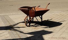 Reliquia (T.I.G. Foto Digital) Tags: españa ciudad nikon calles callejeando paseo paseando camino reliquia carro metaloxidado antiguedad symbolo