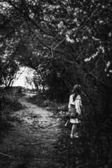 Le questionnement ? (Un instant.) Tags: children forest canon 1855mm manfrotto look beautiful landscape bnw noiret