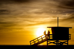 Sunset at Venice Beach, LA (jonasfj) Tags: nikonz7 z7 nikon mirrorless a7iii 24704s nikkor 2470 losangeles la venicebeach lifeguardtower tower sunset silhouette people romantic beach sand enjoying beautiful breeze spring sky water ocean pacificocean clouds